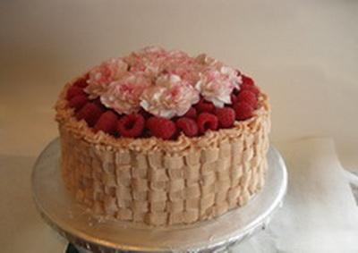 Voćna torta sa malinama i vinom