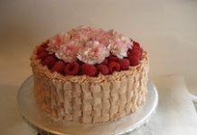 vocna-torta-sa-malinama-i-vinom