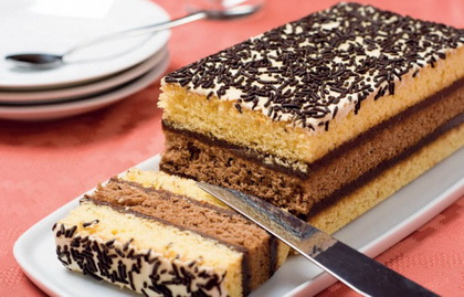 Troslojni kolač