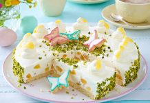 Praznična bela torta