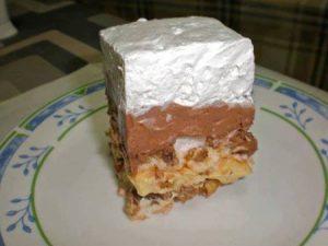 Torta sa kremom koja se topi u ustima
