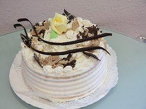 Torta od bele čokolade i kokosa