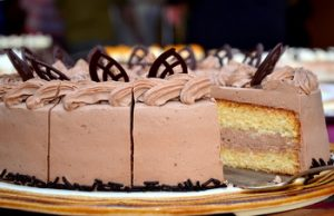 Posna torta s pudingom